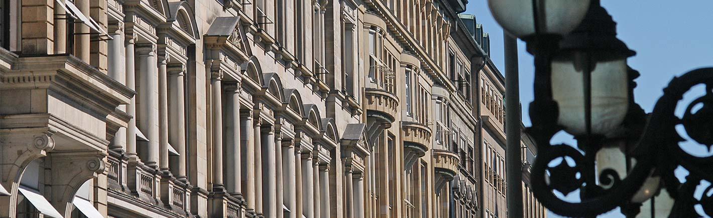Hamburger Hausverwaltung und Konzepte Hausfassade